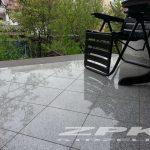 płyty granitowe jasno-szare polerowane Strzelin 30x30x3 cm